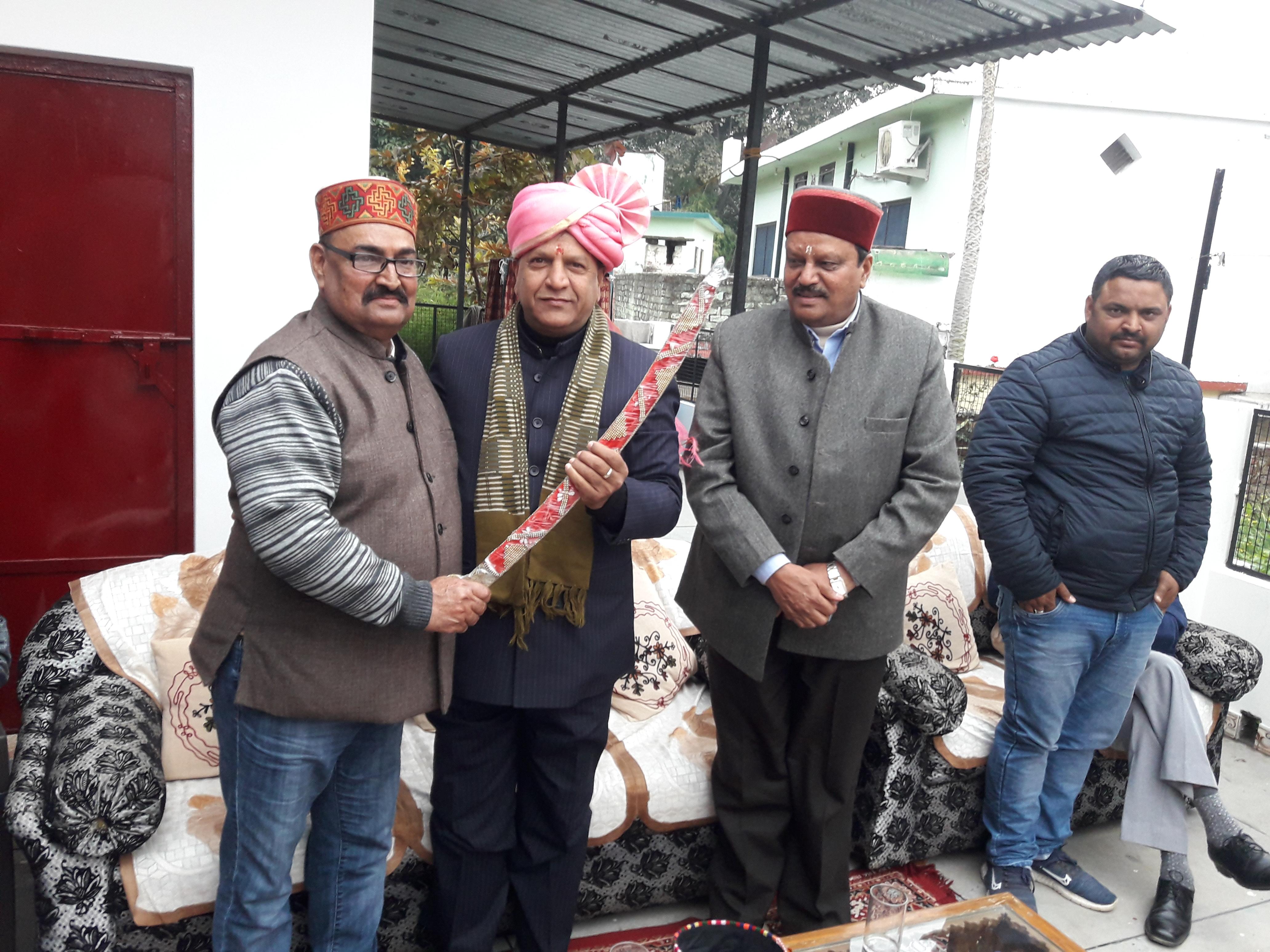भाजपा के प्रदेश अध्यक्ष डा. बिंदल का आमवाला गांव में किया भव्य स्वागत