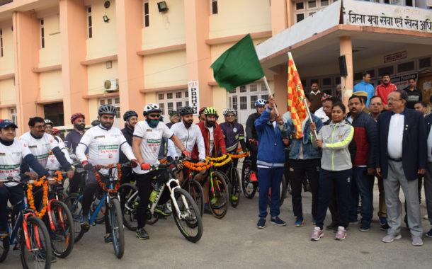 क्रिकेटर मिताली राज ने नशे के विरुद्ध साइक्लोथॉन को दिखाई हरी झंडी