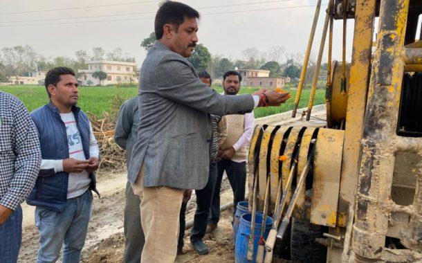 प्रो.राम कुमार ने किया पंजावर में सिंचाई ट्यूबल का भूमि पूजन