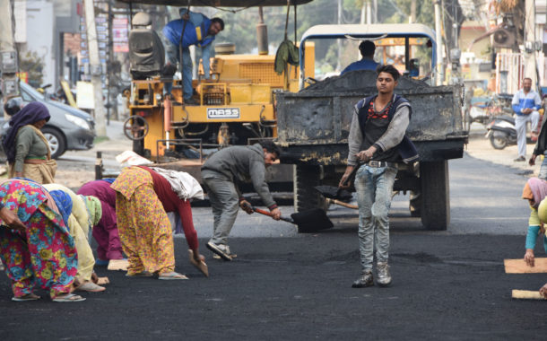 नगर निगम द्वारा करीब 7 करोड़ रुपये की लागत से शहर की सड़कों का किया जा रहा है सुदृढ़ीकरण : निशांत यादव