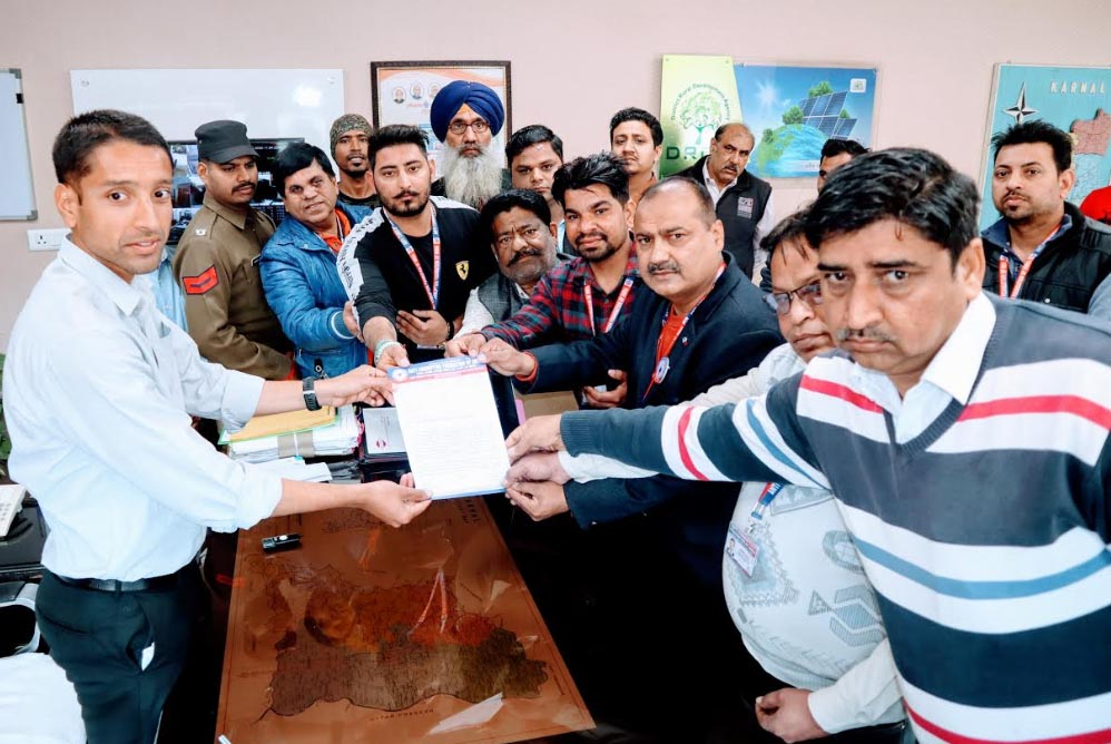 भ्रष्टाचार पर लगाम कसने की मांग को लेकर मुख्यमंत्री के नाम ज्ञापन,एंटी करप्शन फाउंडेशन ऑफ इंडिया फैला रहा जागरूकता