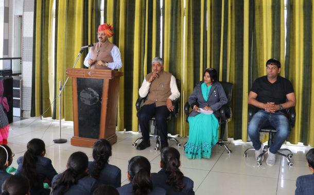 सावरकर अनवरत संघर्ष व नेतृत्वशीलता से ओतप्रोत प्रेरणा की प्रतिमूर्ति : डॉ. चौहान
