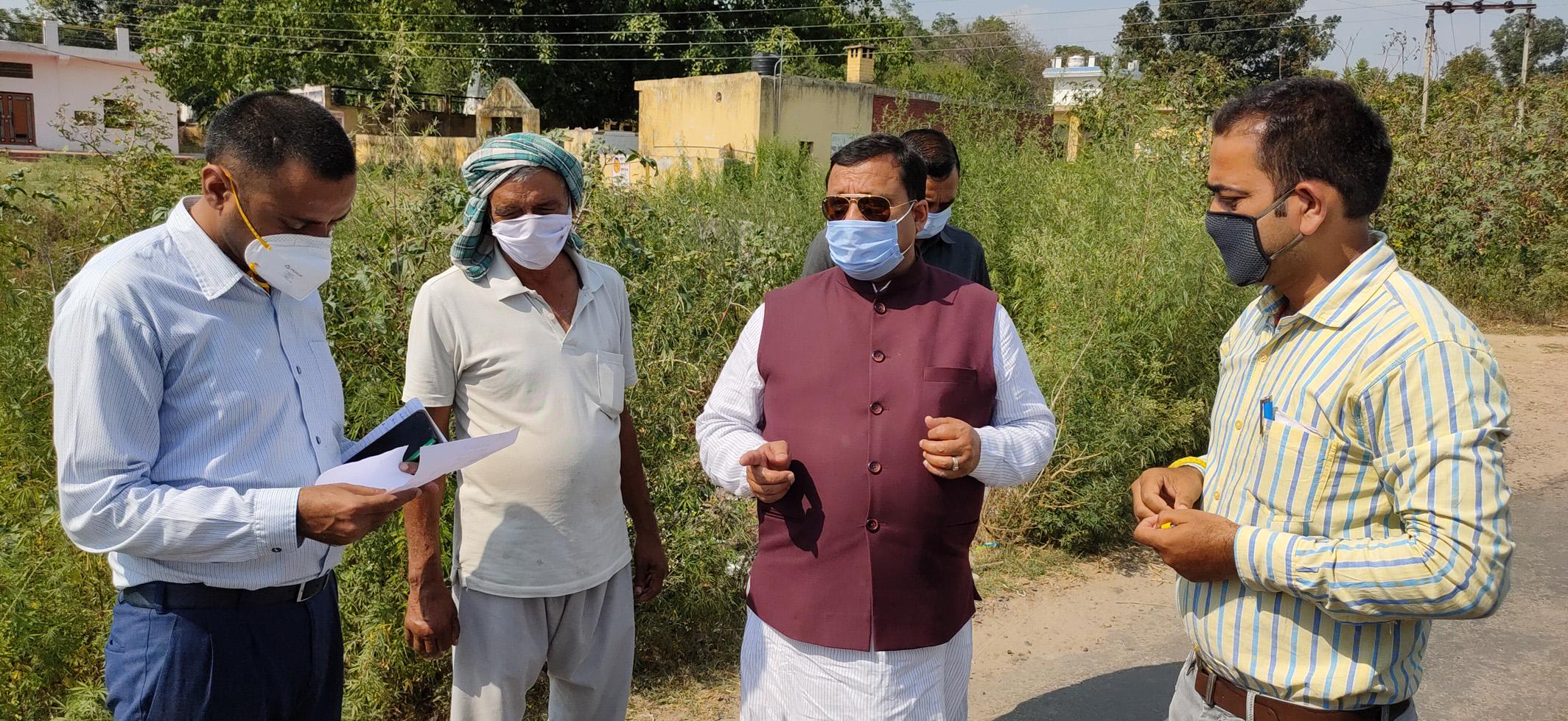 ग्रामीण विकास मंत्री वीरेंद्र कंवर ने कुटलैहड़ में विकास कार्यों पर अधिकारियों के साथ की समीक्षा
