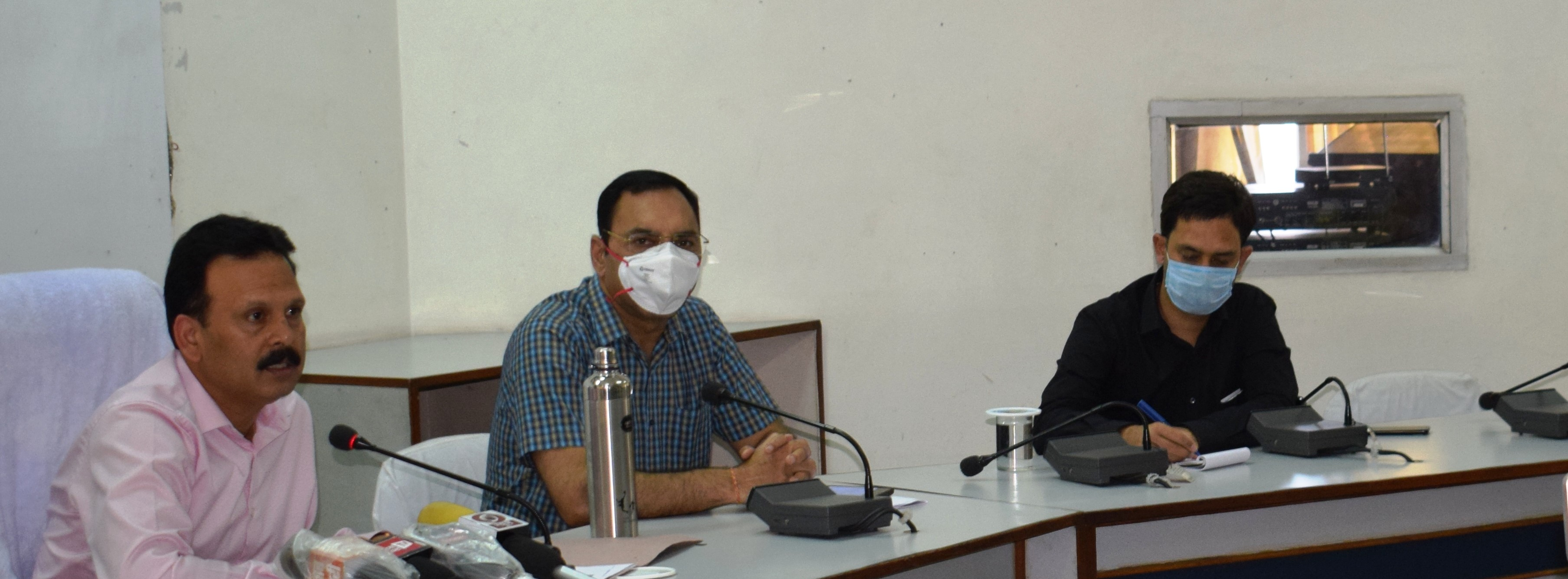 बाहरी प्रदेशों से 3311 लोग जिला ऊना पहुंचेः डीसी संदीप कुमार