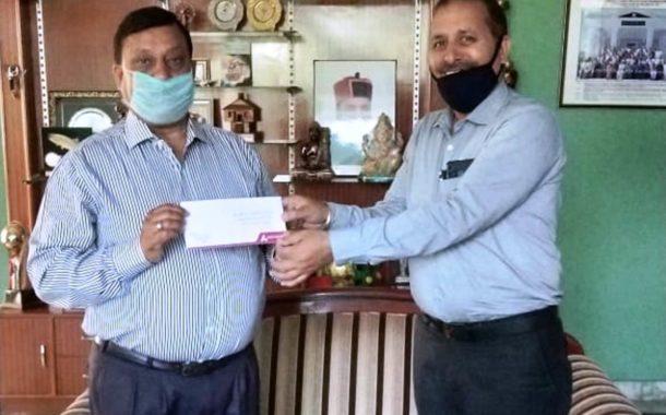 ग्रामीण विकास मंत्री वीरेंद्र कंवर को सौंपा 21 हजार का चैक