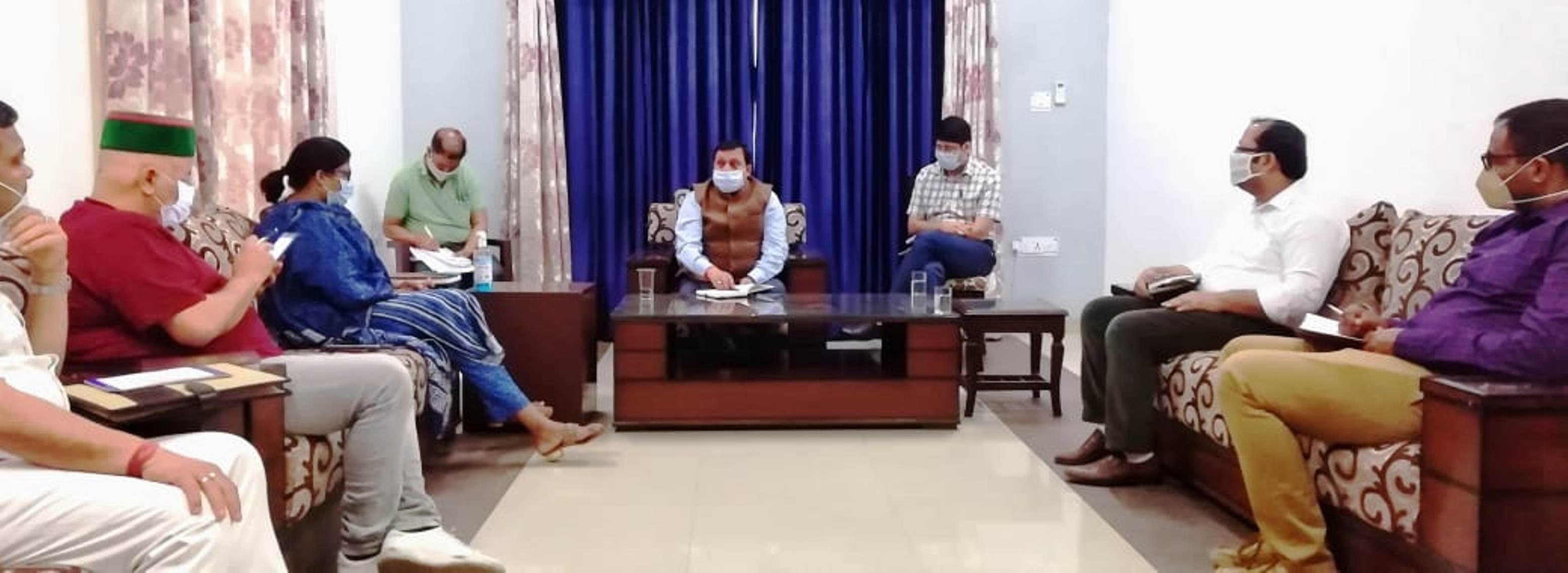 वीरेंद्र कंवर ने कुटलैहड़ के विकास परियोजनाओं पर की समीक्षा
