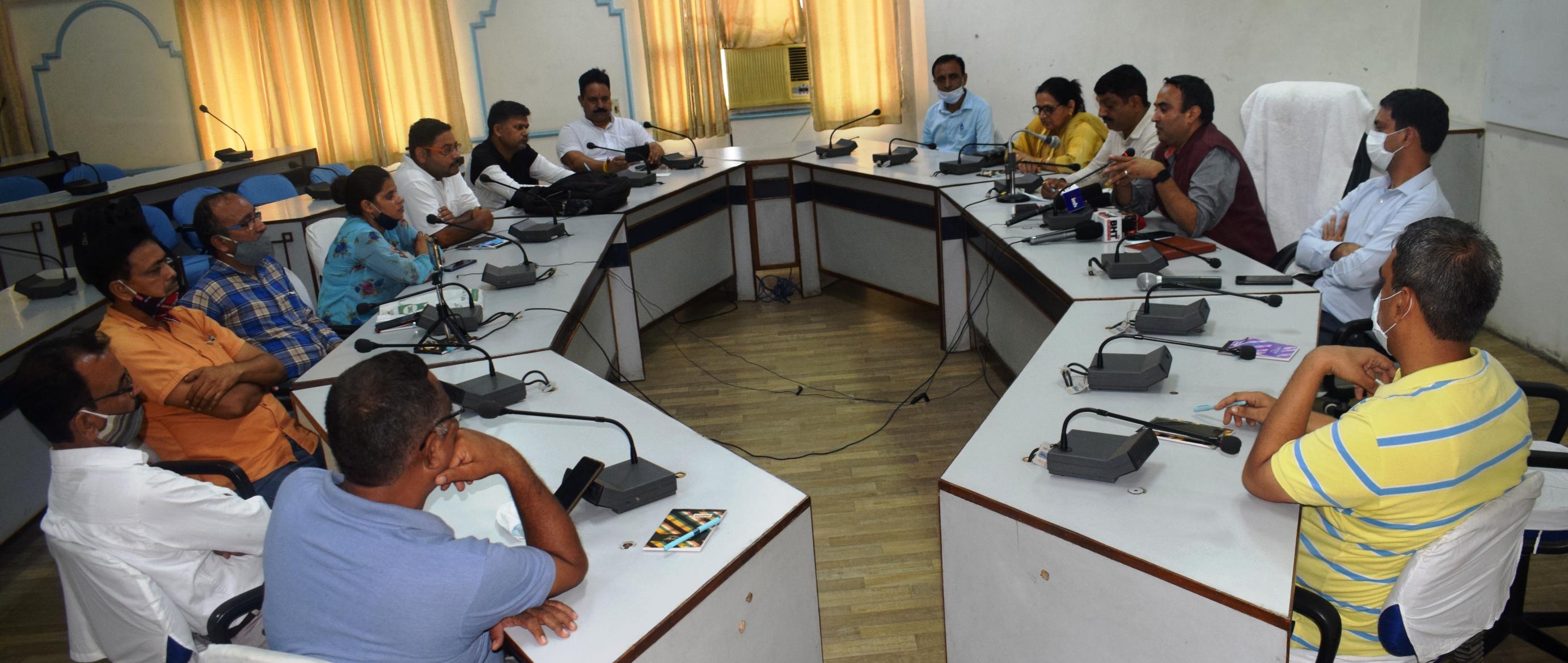 सीएम जय राम ठाकुर मीडियाकर्मियों की समस्याओं को सुलझाने के प्रति गंभीरः चक्षु