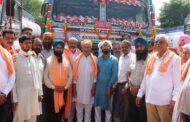 आईओसीएल पेखूबेला टर्मिनल में 12 ट्रकों को मिला काम , मैहतपुर ट्रक यूनियन से सतपाल सिंह सत्ती ने दिखाई हरी झंडी